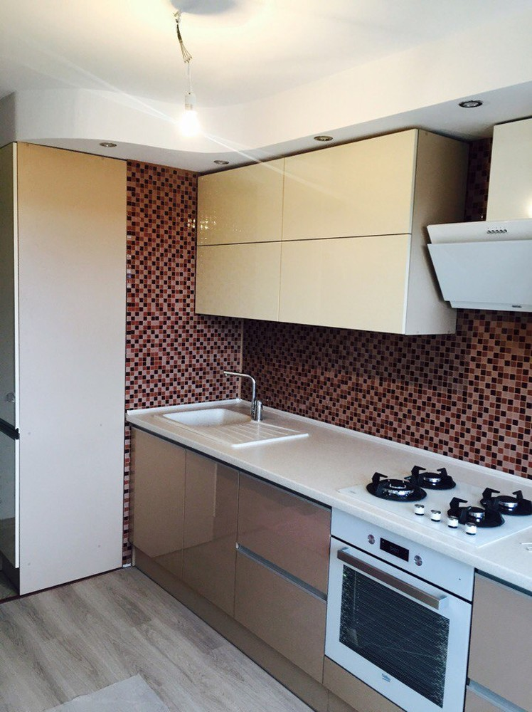 Белый кухонный гарнитур-Кухня МДФ в эмали «Модель 150»-фото3