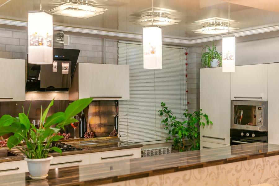 Белый кухонный гарнитур-Кухня из пластика «Модель 2»-фото5