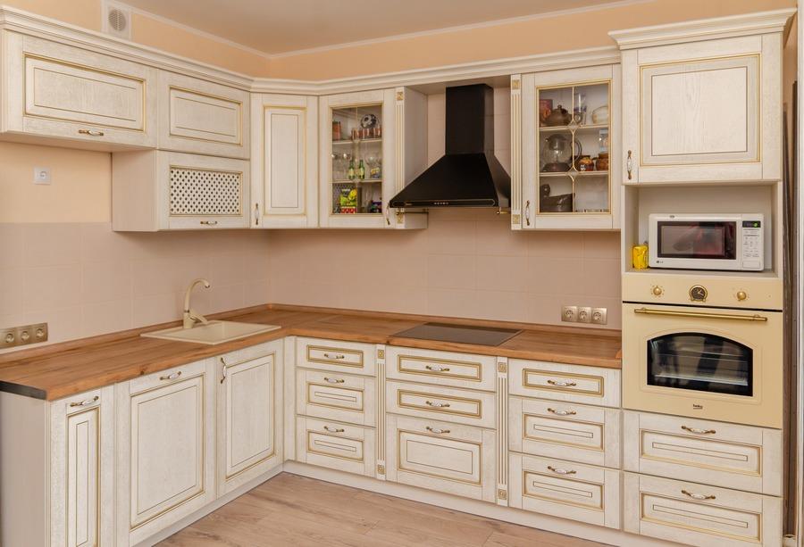 Белый кухонный гарнитур-Кухня из шпона «Модель 4»-фото1