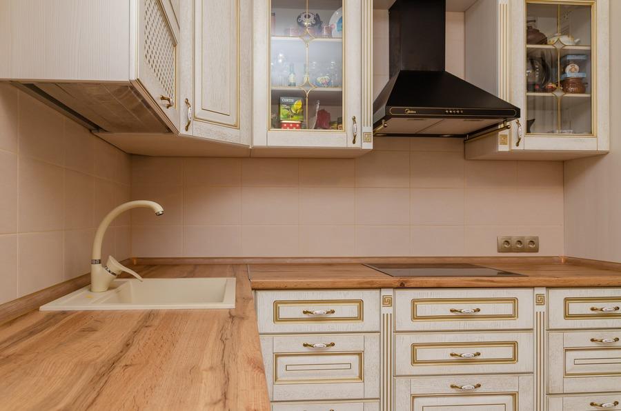 Белый кухонный гарнитур-Кухня из шпона «Модель 4»-фото3