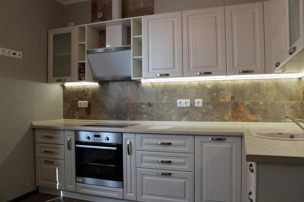 Белый кухонный гарнитур-Кухня МДФ в ПВХ «Модель 232»-фото3