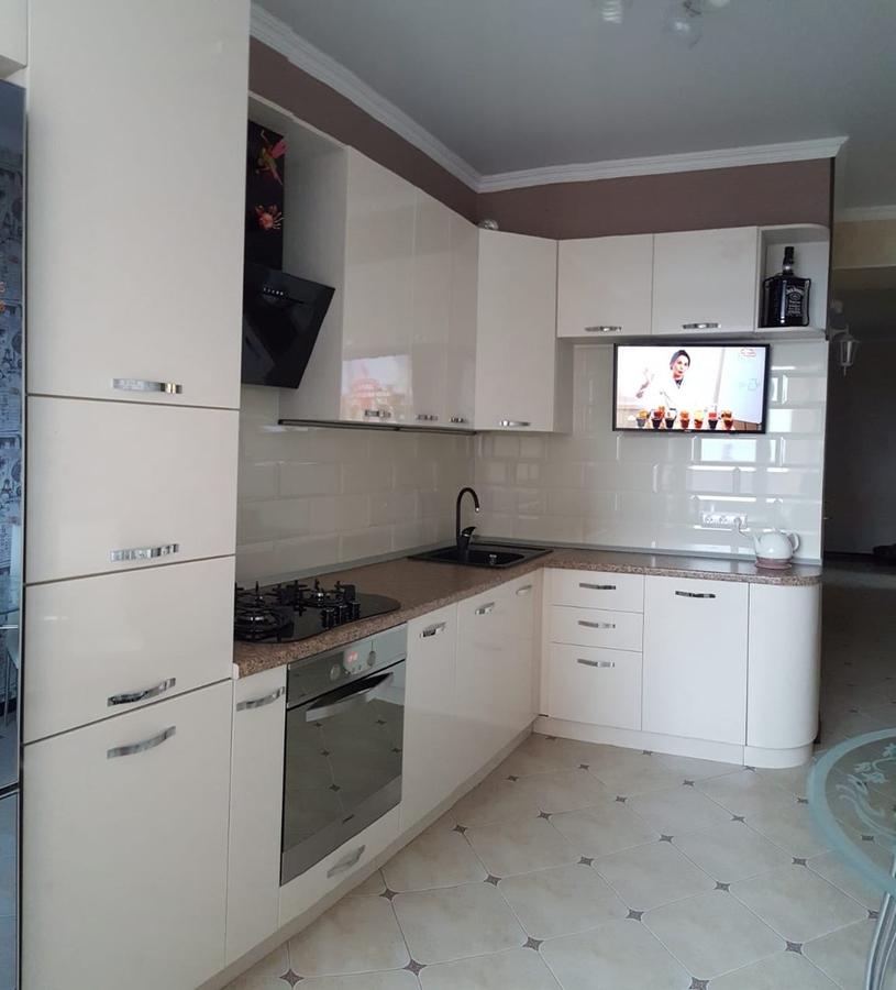 Белый кухонный гарнитур-Кухня из пластика «Модель 377»-фото2