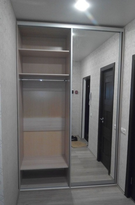 Встроенные шкафы-купе-Шкаф-купе с зеркалом «Модель 73»-фото2